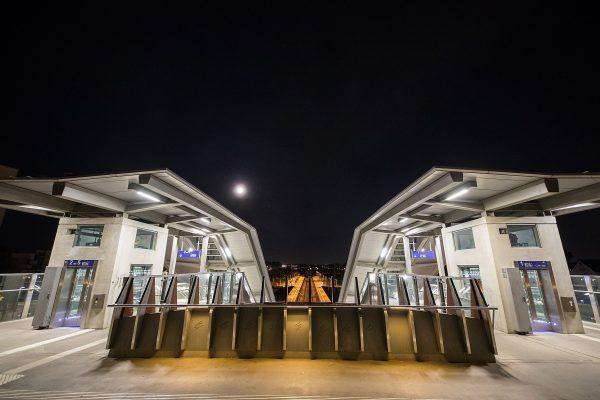 be Bahnhof Opladen Brücke Fußgänger 20-9-18 AL8I1897 m